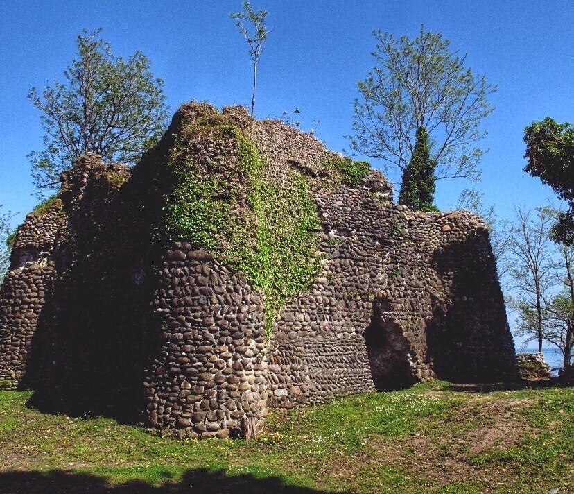 Крепость Сан Томазо Абхазия