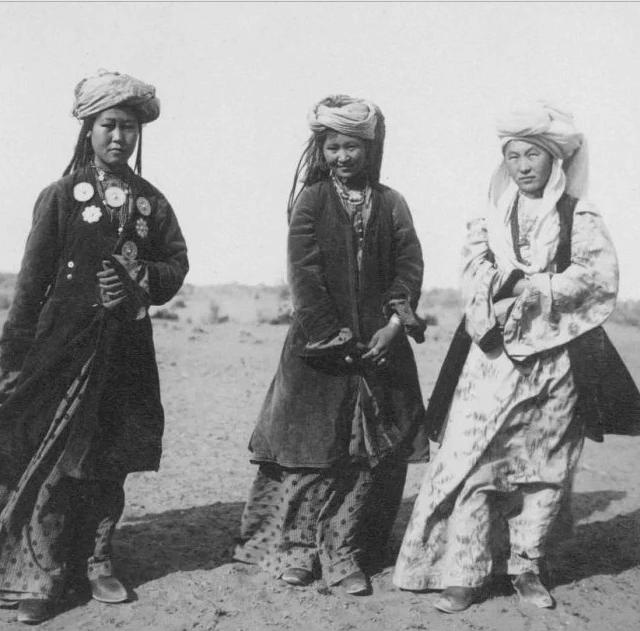 Тюркские заимствования - саранча, богатырь, ярлык