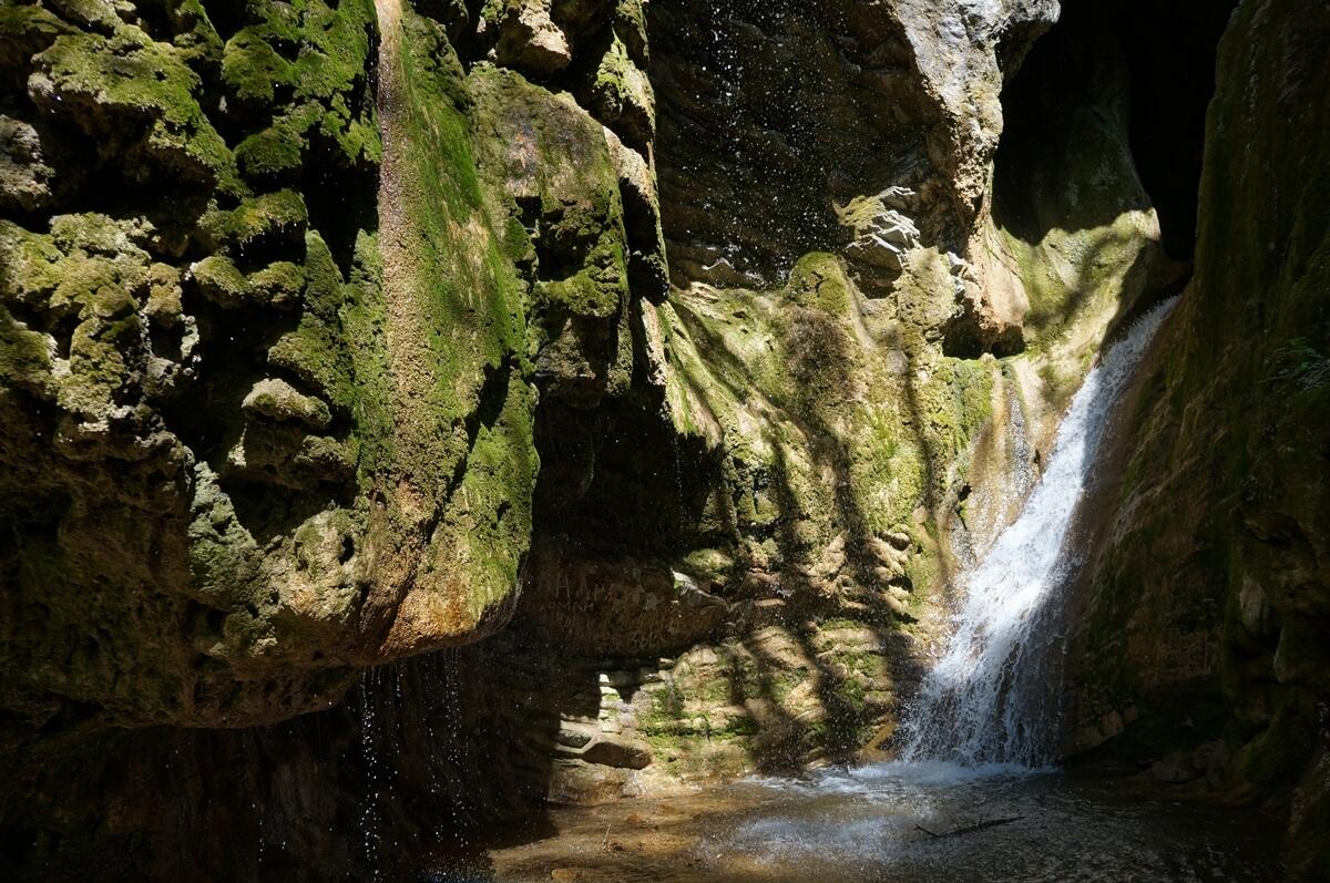 Тешебские водопады (Геленджик)