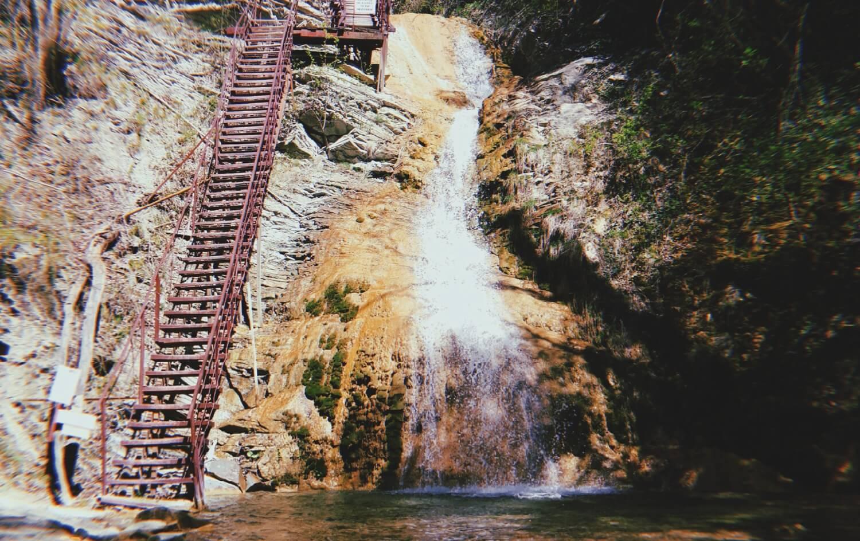 Водопад Шнурок (в апреле)