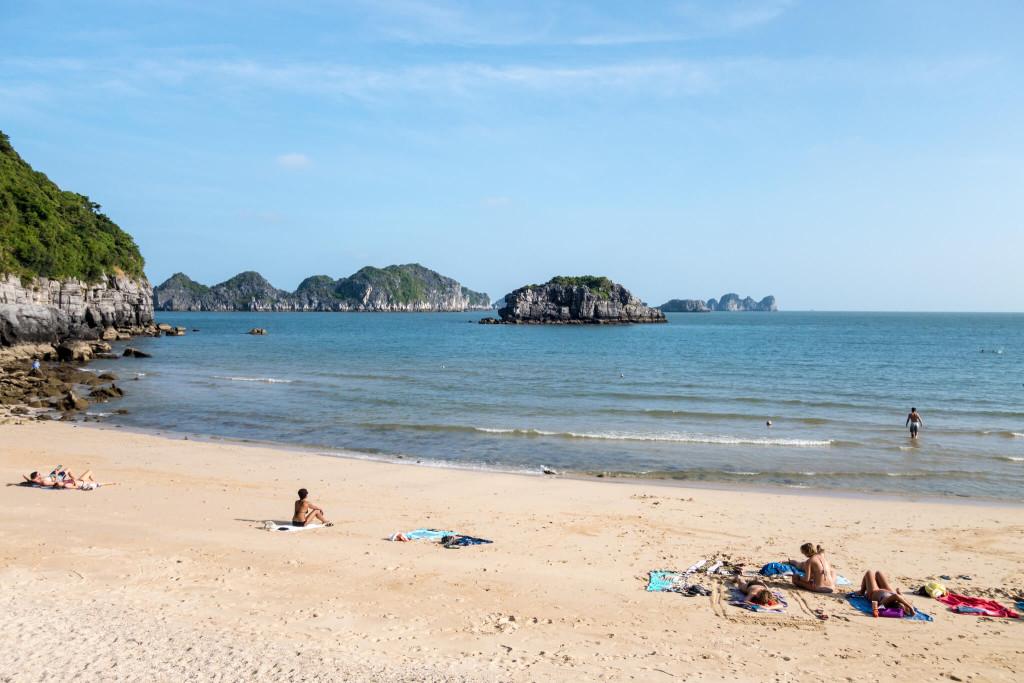 Пляж Халонга