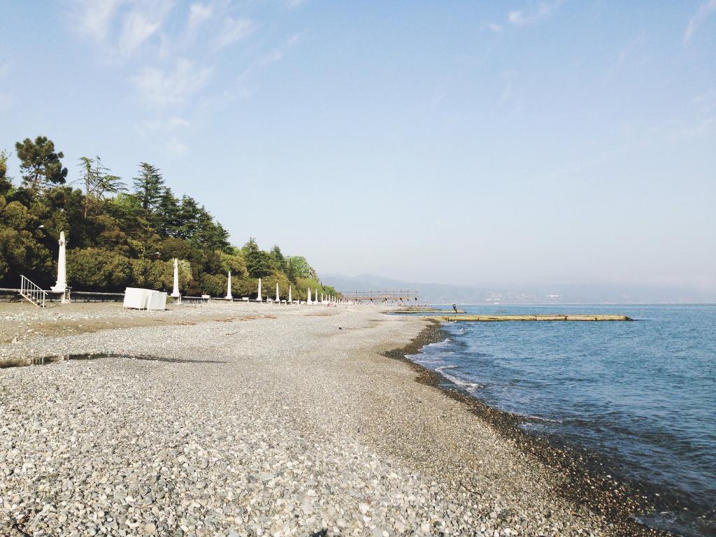 Пляж возле маяка