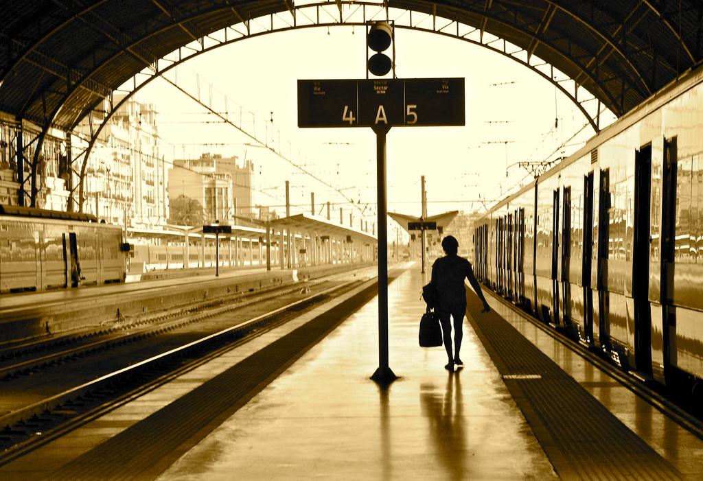 Валенсия как добраться на поезде