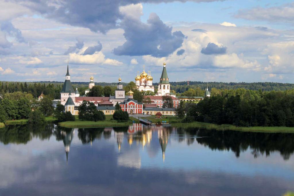 куда поехать осенью в России - Валдай