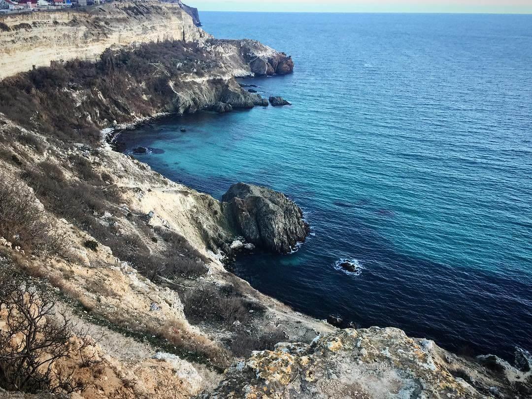Дикий и нудистский пляж - Голубая бездна